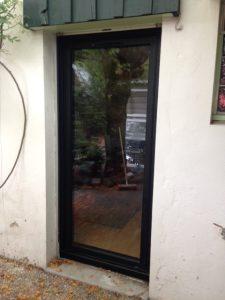 Les Menuisiers Girondins : chantier à Villenave d'Ornon pour la pose en rénovation de fenêtre et porte-fenêtre 4
