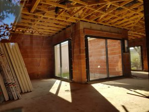 Les Menuisiers Girondins étaient à Bruges pour la construction d'une maison neuve avec pose de menuiseries aluminium Technal-6