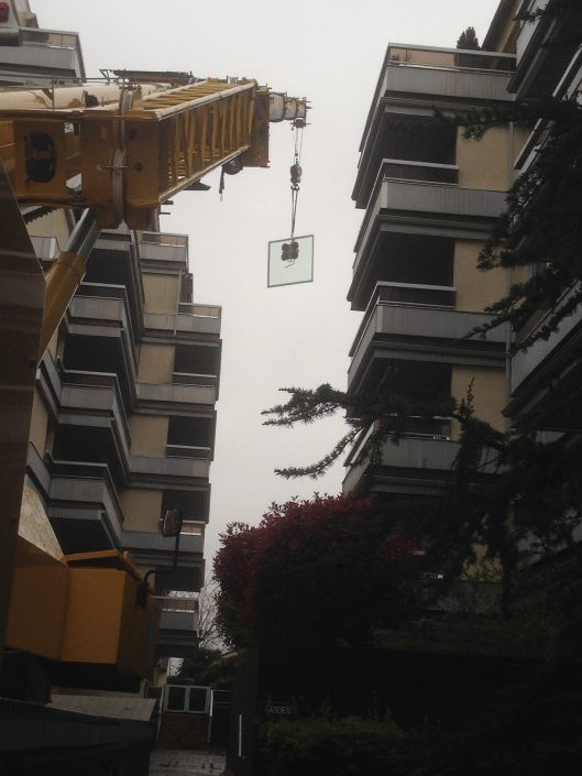 Les Menuisiers Girondins étaient au Bouscat pour un chantier en dépose et pose totale pour une baie coulissante au 5ème étage, à 60m du sol.