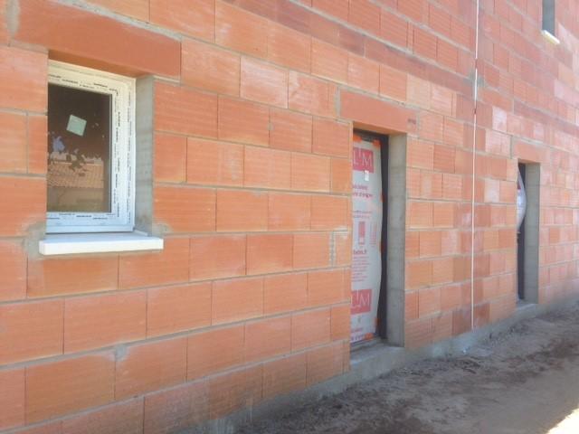 Les Menuisiers Girondins : Chantier sur bâtisse neuve avec la pose de menuiseries aluminium et PVC sur deux logements à Blanquefort - 2