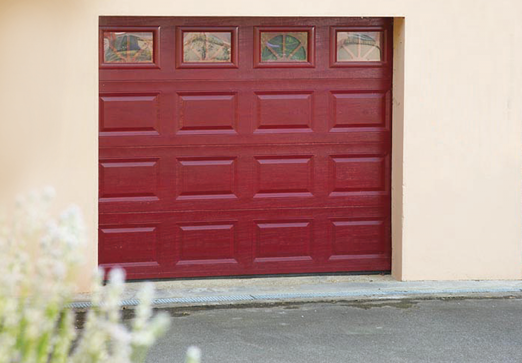 Portes de garage les menuisiers girondins for Porte de garage couleur bordeaux